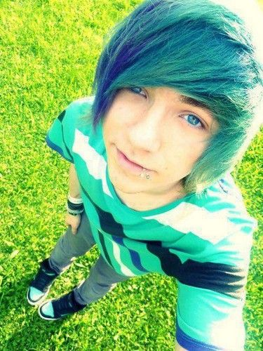 cute emo boys with green hair
